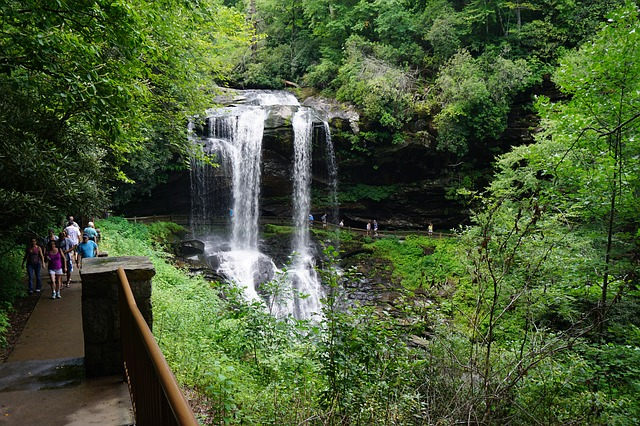 5 Waterfalls to Visit in Western North Carolina *